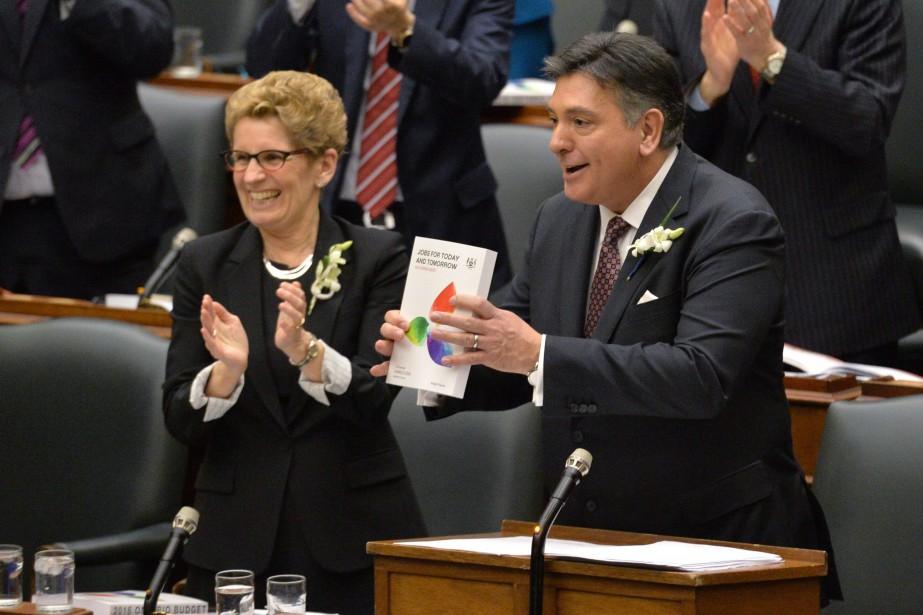 Le budget présenté hier à Queen's Park par... (PHOTO NATHAN DENETTE, LA PRESSE CANADIENNE)