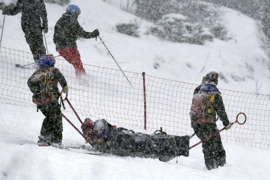 Lindsey Vonn a été évacuée sur une civière... (Photo AP)