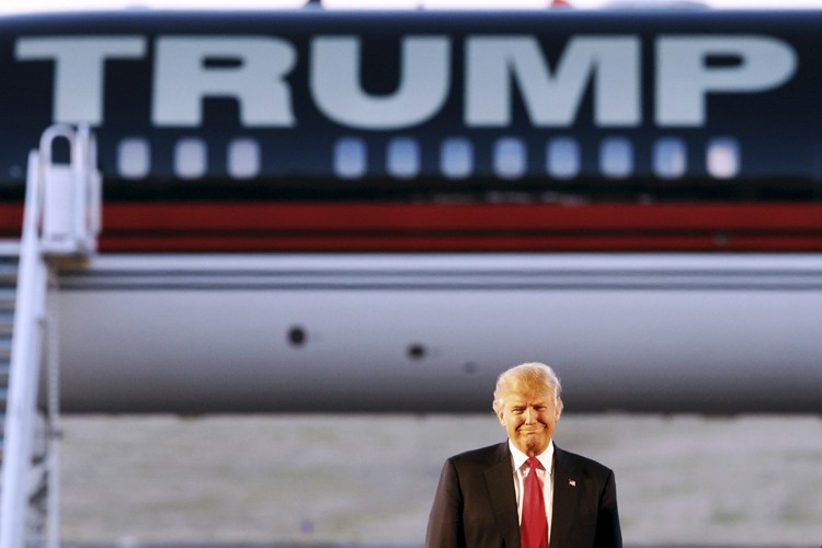 Trump attaqu sur le kkk et mussolini thomas urbain for Attaque sur la maison blanche