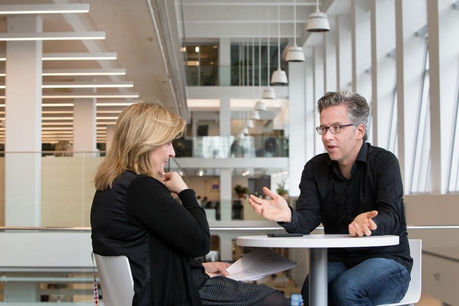 Nathalie Petrowski s'est entretenue avec son collègue Marc... (PHOTO ROBERT SKINNER, LA PRESSE)