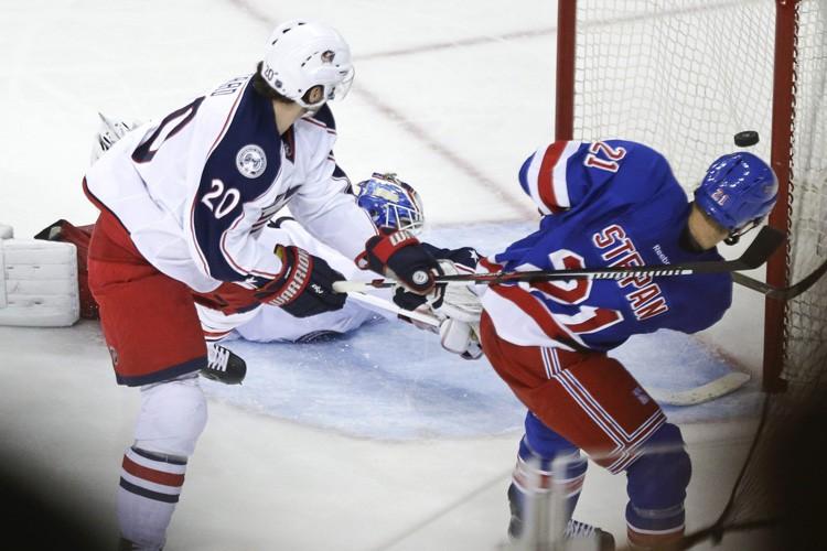 Derek Stepan a marqué en désavantage numérique alors qu'il ne... (PHOTO AP)