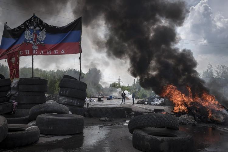 Les Russes sont toujours «très impliqués» dans la... (ARCHIVES AP)