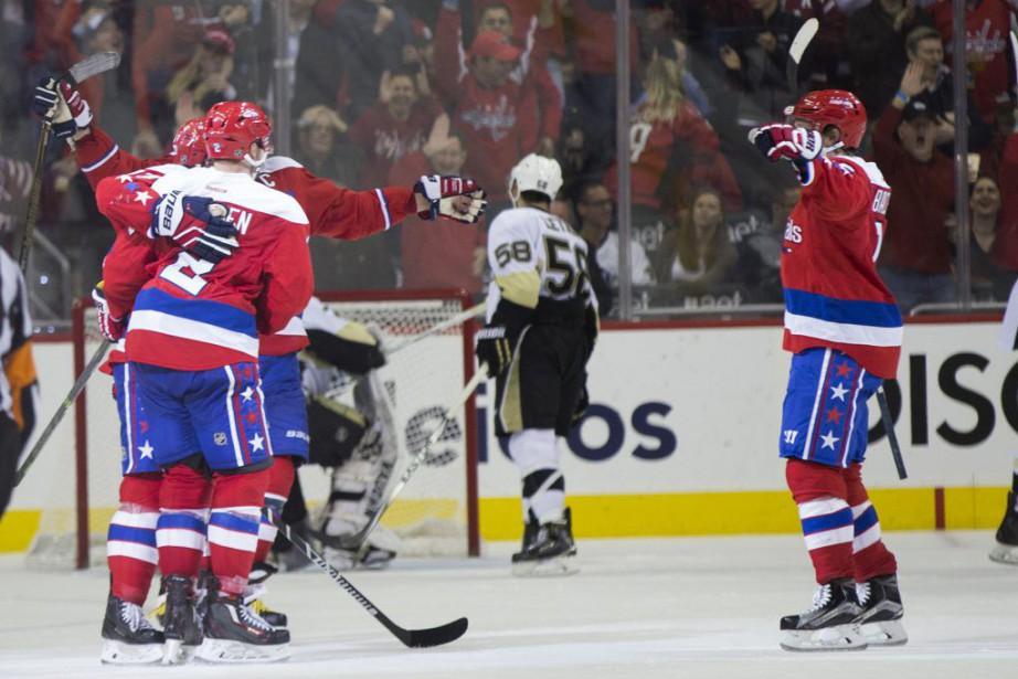 Matt Niskanen a inscrit le but victorieux en avantage numérique au... (PHOTO AP)