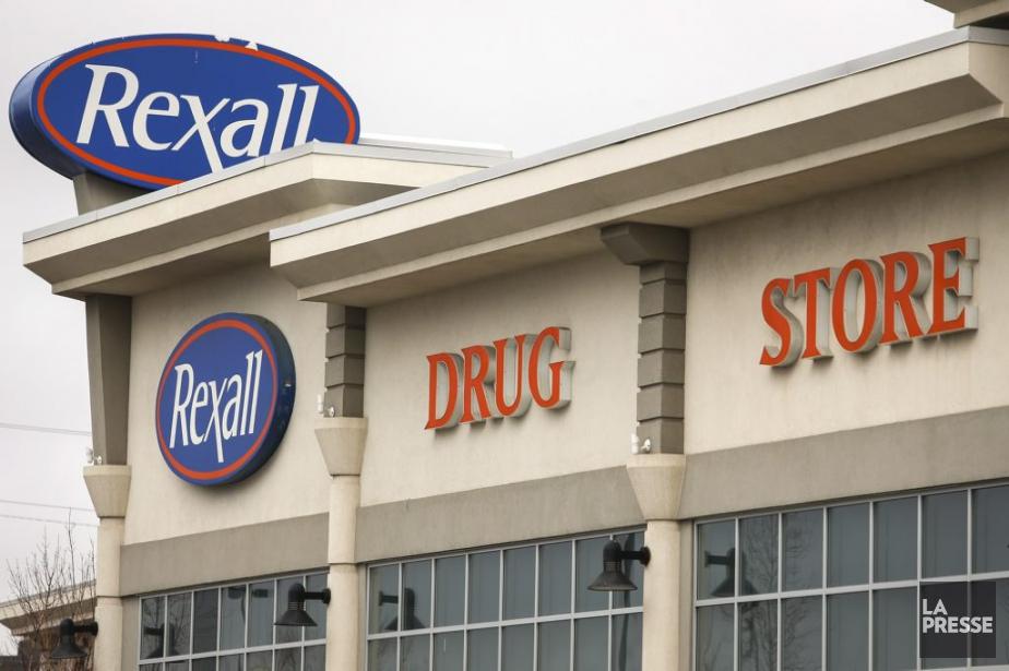 La chaîne de pharmacies Rexall a été vendue... (Photo Jeff McIntosh, Archives La Presse Canadienne)