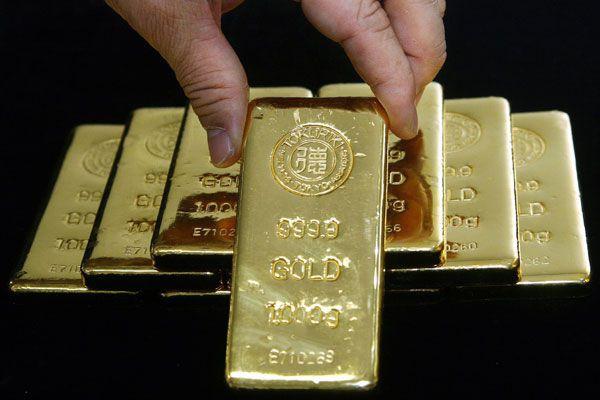 L'once d'or est montée vendredi matin à 1279,95... (Photo Archives Bloomberg)