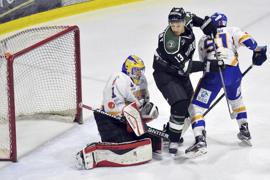 Les Marquis l'ont emporté 9-2 face aux Prédateurs de Laval, vendredi. (Photo Le Quotidien, Rocket Lavoie)