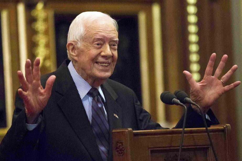 L'ex-président américain a pris la parole devant la... (PHOTO NEIL HALL, ARCHIVES AP)