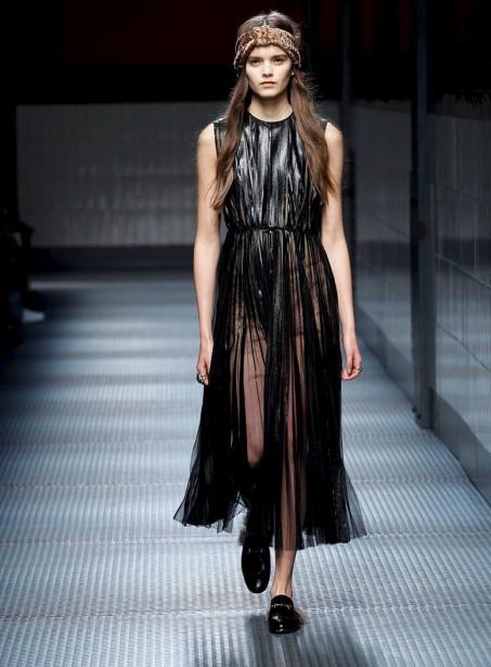 Emma Génierpourle défiléde Guccià Milan ()