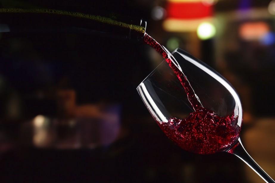 Car le vin, dès qu'on se met à... (PHOTO THINKSTOCK)
