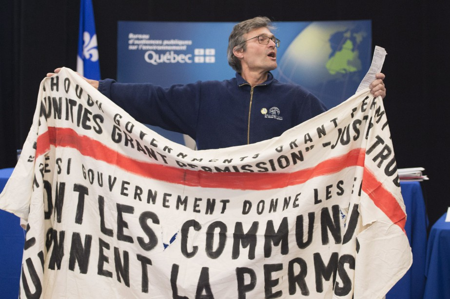 «(Lundi) ce qu'on a vu, c'est des gens... (PHOTO JACQUES BOISSINOT, LA PRESSE CANADIENNE)
