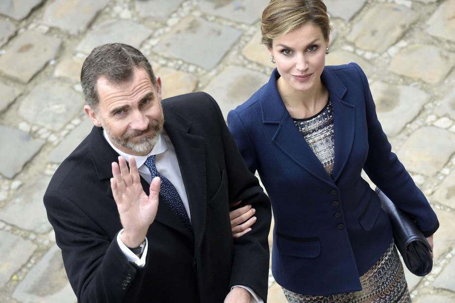 Le roi d'Espagne Philippe VI et la reine... (PHOTO LIONEL BONAVENTURE, ARCHIVES AGENCE FRANCE-PRESSE)