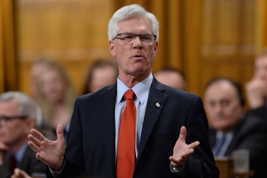 Le ministre fédéral des Ressources naturelles, Jim Carr.... (PHOTO SEAN KILPATRICK, ARCHIVES LA PRESSE CANADIENNE)