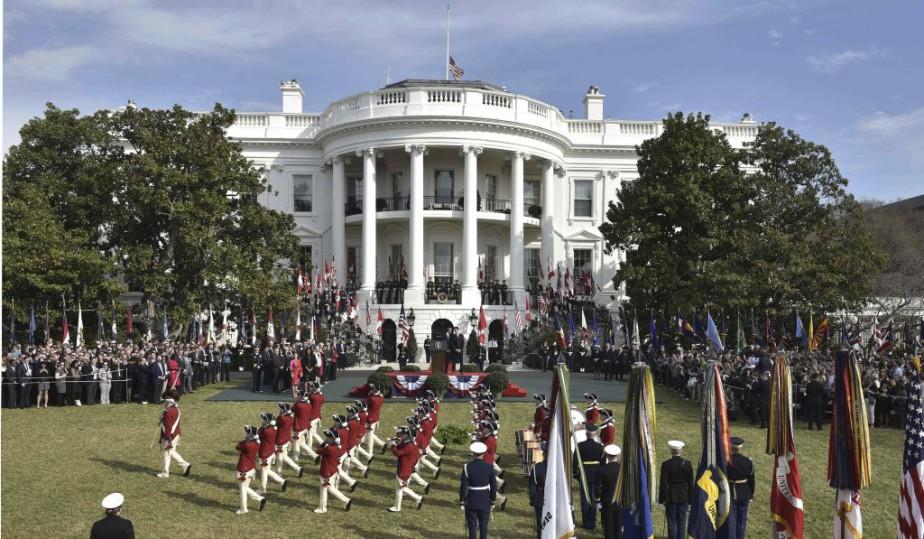 Lors de son discours devant 3000 personnes dans les jardins de la Maison-Blanche, Barack Obama a été très élogieux envers le pays de son invité. (Photo Mandel Ngan, AFP)