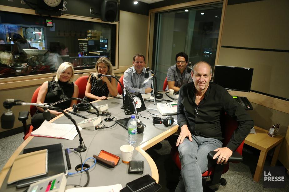 L'animateur Alain Gravel et son équipe de l'émission... (PHOTO MARTIN CHAMBERLAND, ARCHIVES LA PRESSE)