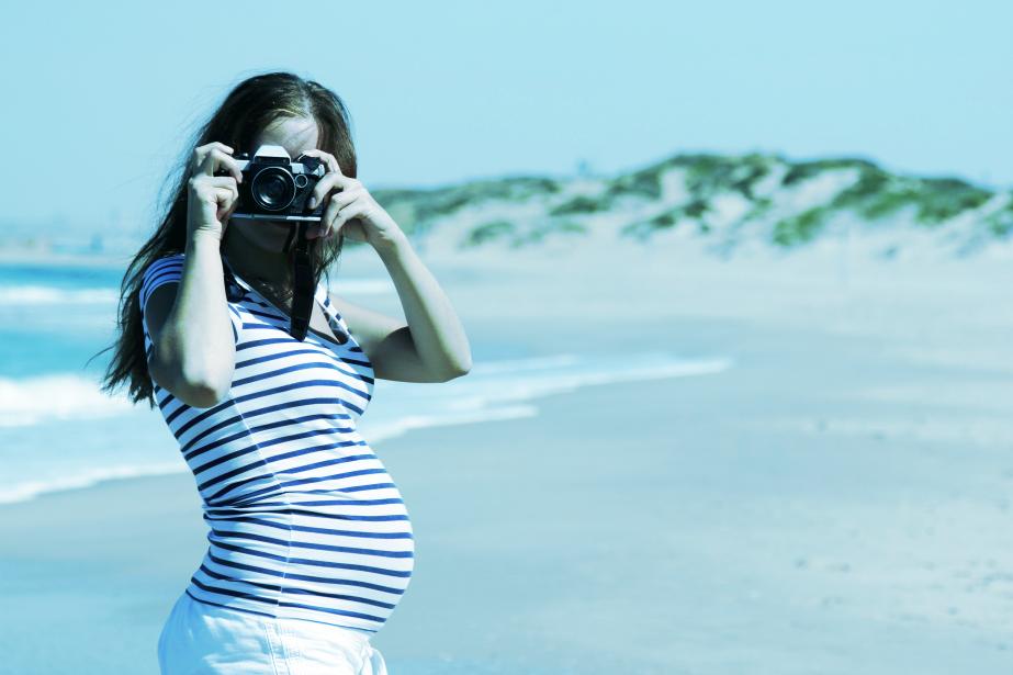 De nombreux couples voyagent lors de la grossesse... (PHOTO THINKSTOCK)