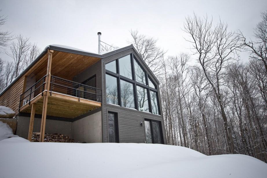 Une maison au design léché, au coût accessible... (PHOTO PATRICK SANFAÇON, LA PRESSE)