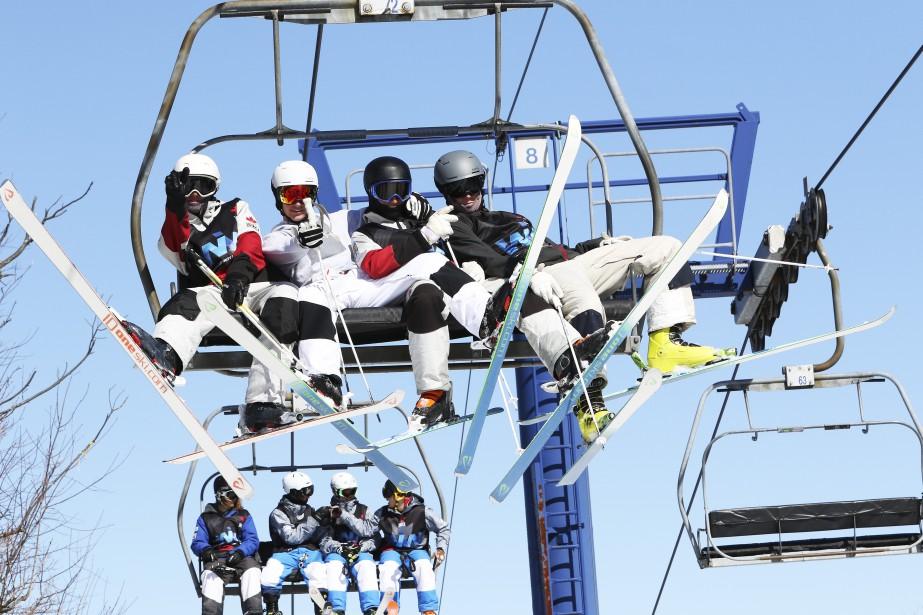 Les skieurs ont beaucoup de plaisir à Camp Fortune (Patrick Woodbury, LeDroit)