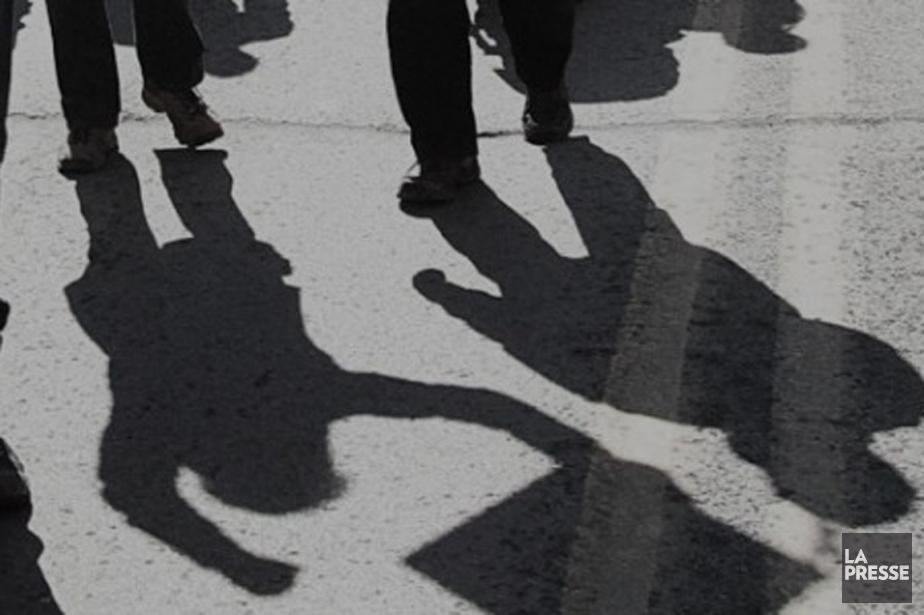 Quelques centaines de syndiqués ont manifesté au... (Photo d'archives La Presse)
