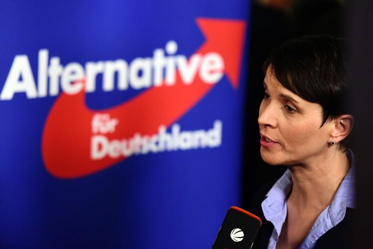 La leader du mouvement Alternative pour l'Allemagne,Frauke Petry.... (PHOTO AFP)