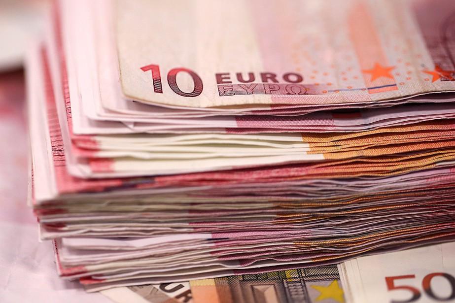 L'euro se repliait lundi face au... (Photo Simon Dawson, archives Bloomberg)