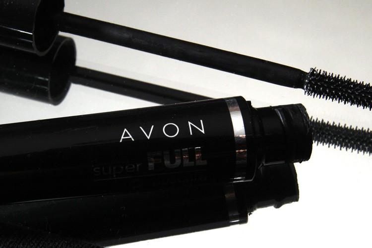 Le fabricant de cosmétiques américain Avon, spécialisé dans les... (ARCHIVES AP)