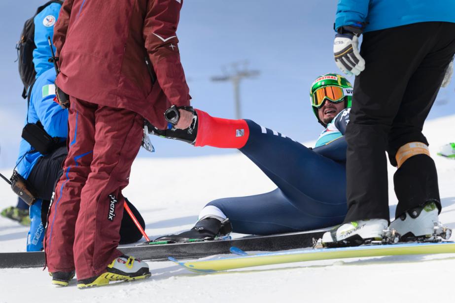 Dominik Paris s'est blessé à la cuisse gauche... (Photo Fabrice Coffrini, AFP)