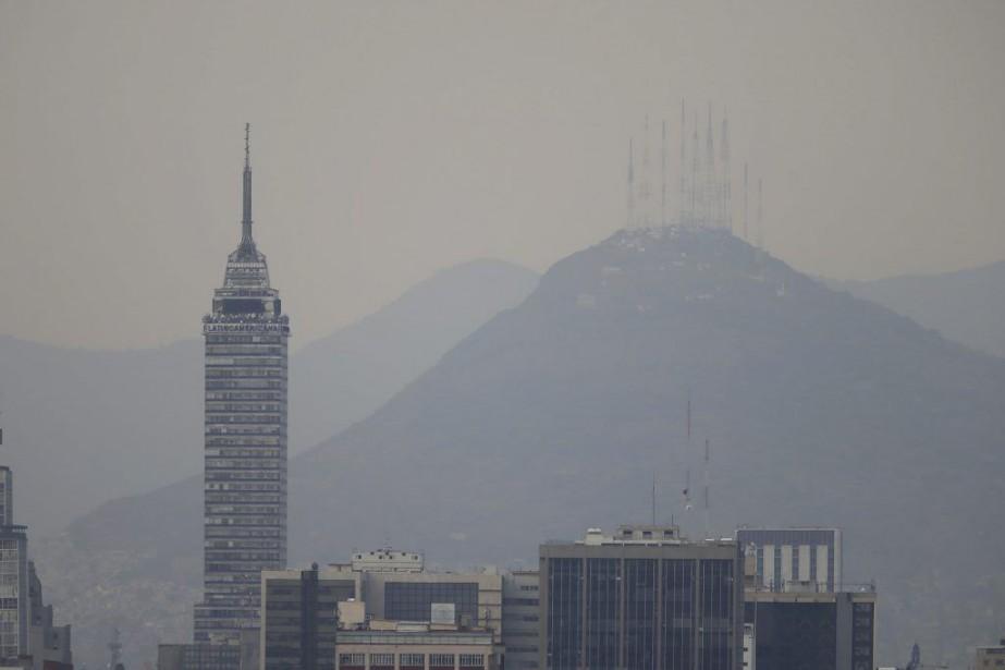 L'alerte au smog était en vigueur mercredi pour... (PHOTO EDGARD GARRIDO, REUTERS)