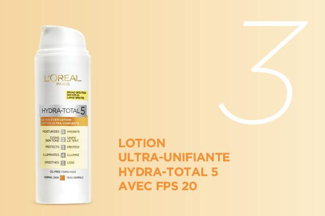 Appliquez la lotion ultra-unifiante Hydra-Total 5 avec FPS 20. (CRÉDITS PHOTO: L'ORÉAL PARIS)