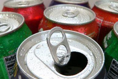 La taxe s'appliquera aux boissons contenant plus de... (AFP)