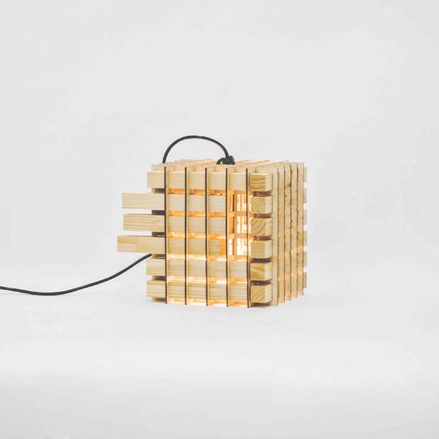 La lampe Push/Pull est signée Frédéric Quirion et Catherine Racicot-Brazeau. (Photo fournie par L'Objet)