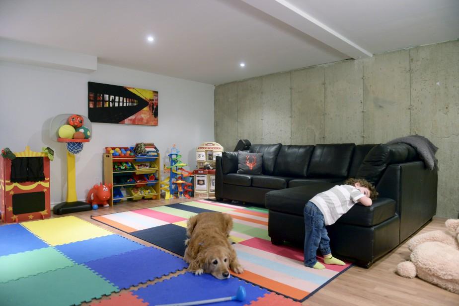 Le couple a planifié les rénos en imaginant ses futurs ados emménager au sous-sol, où se trouvent actuellement leurs bureaux et une salle familiale pour Justin et le bébé à venir. (Le Soleil, Jean-Marie Villeneuve)