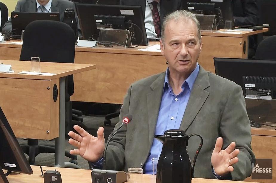 Ernest Murray, ex-attaché politique et responsable du bureau de circonscription de Pauline Marois et Rosaire Bertrand, à la Commission Charbonneau le 9 juin 2014. (ARCHIVES LA PRESSE)
