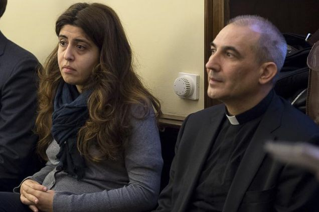 Francesca Chaouqui et Lucio Angel Vallejo Balda... (PHOTO ARCHIVES ASSOCIATED PRESS)