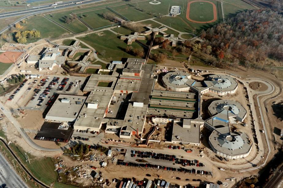 Le complexe correctionnel Maplehurst, en Ontario, où une... (Photo d'archives PC)
