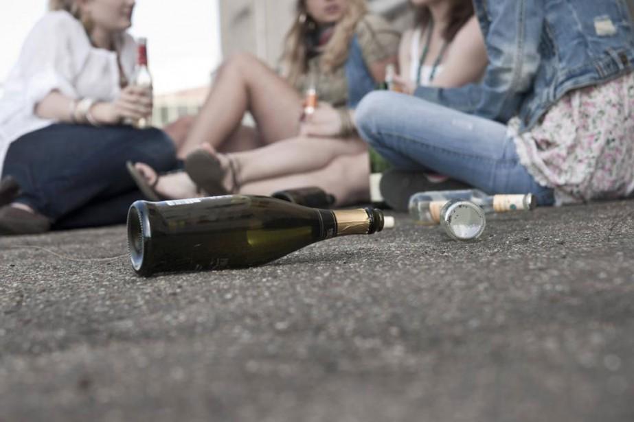 «Considérant que l'alcool peut nuire au développement du... (PHOTO MASTERFILE)