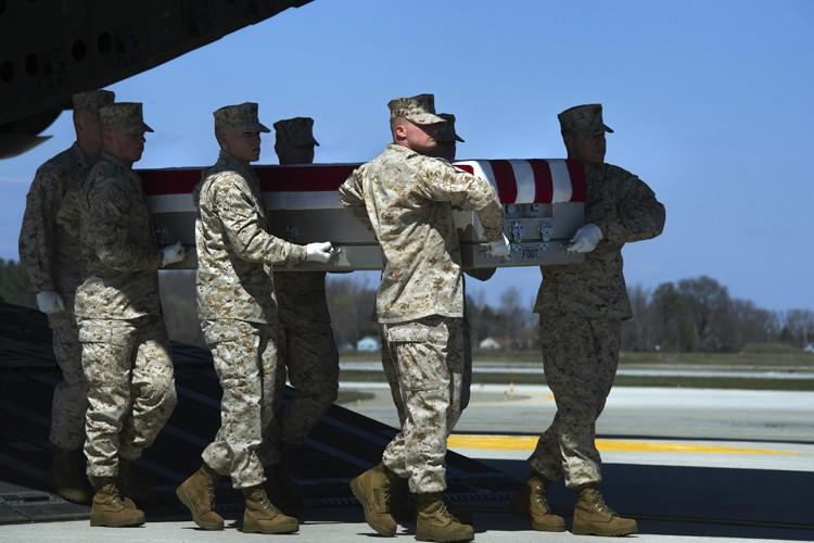 Le sergent Louis Cardin a été tué samedi... (PHOTO AP)