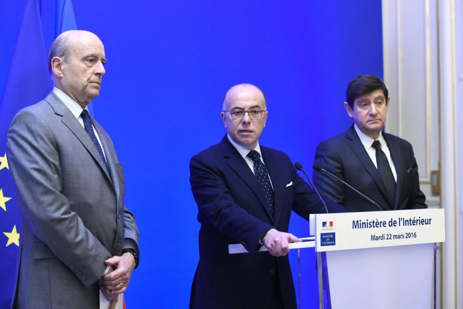 Le maire de BordeauxAlain Juppé, le ministre français... (Photo Miguel Medina, AFP)