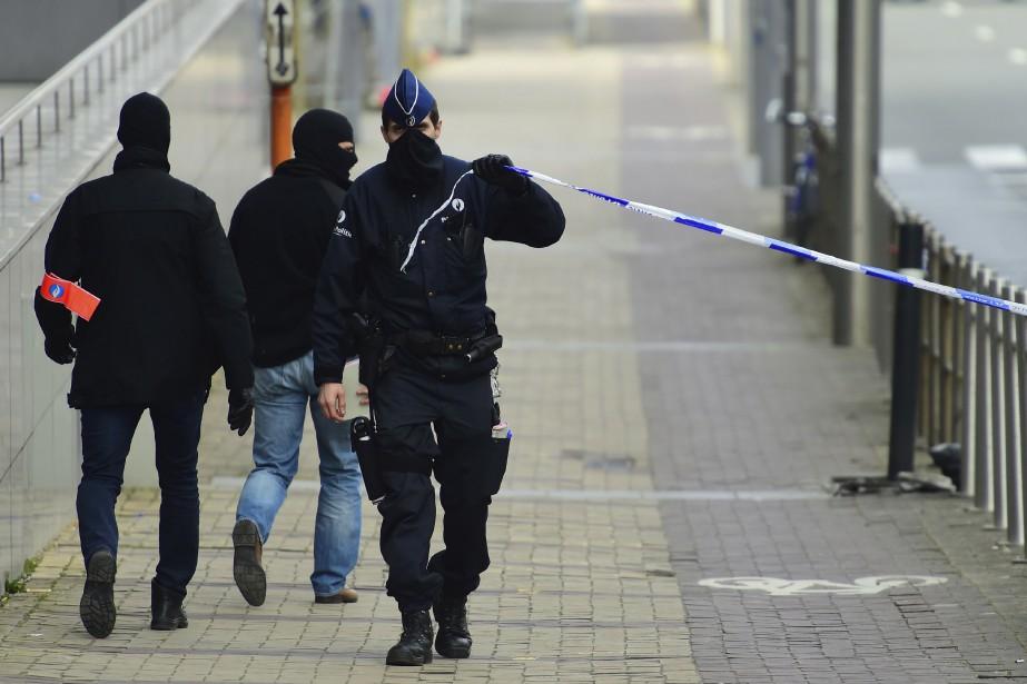 Les services de sécurité belges... (Photo Emmanuel Dunand, archives AFP)