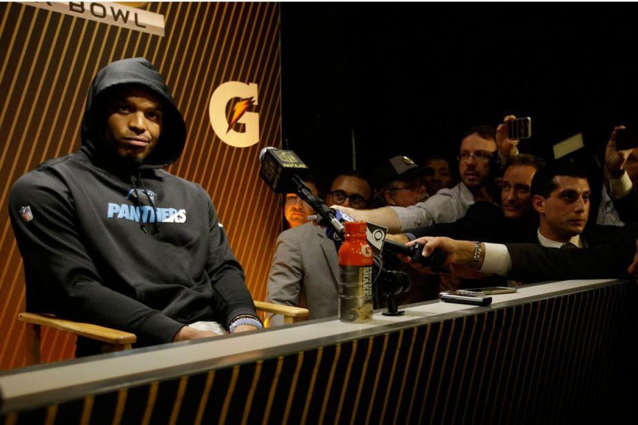 Le quart des Panthers Cam Newton a quitté... (Photo Marcio Jose Sanchez, archives AP)