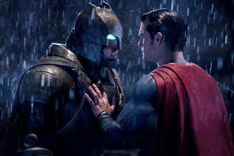 Ben Affleck (Batman) et Henry Cavill (Superman) dans... (PHOTO FOURNIE PAR WARNER BROS.)