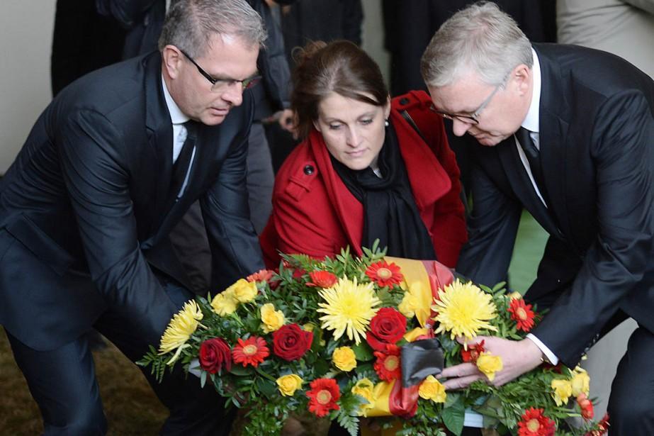 Les dirigeants de la Lufthansa et de Germanwings... (PHOTO BORIS HORVAT, AFP)