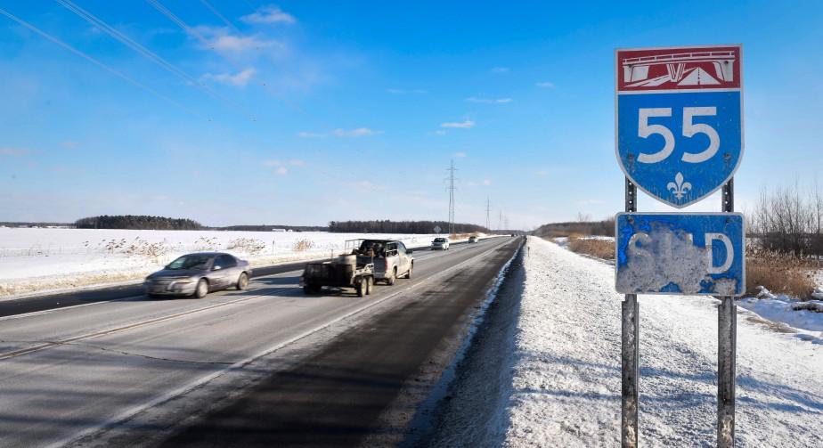 Doublement de l 39 autoroute 55 force nouvelle au dossier for Chambre commerce quebec