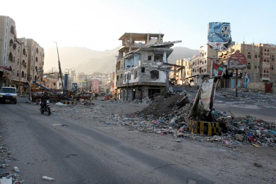 Les groupes djihadiste ont profité de la guerre... (Photo Anees Mahyoub, archives Reuters)