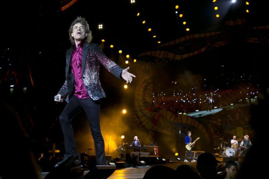 Mick Jagger sur scène à La Havane, vendredi... (Photo Enric Martí, AP)
