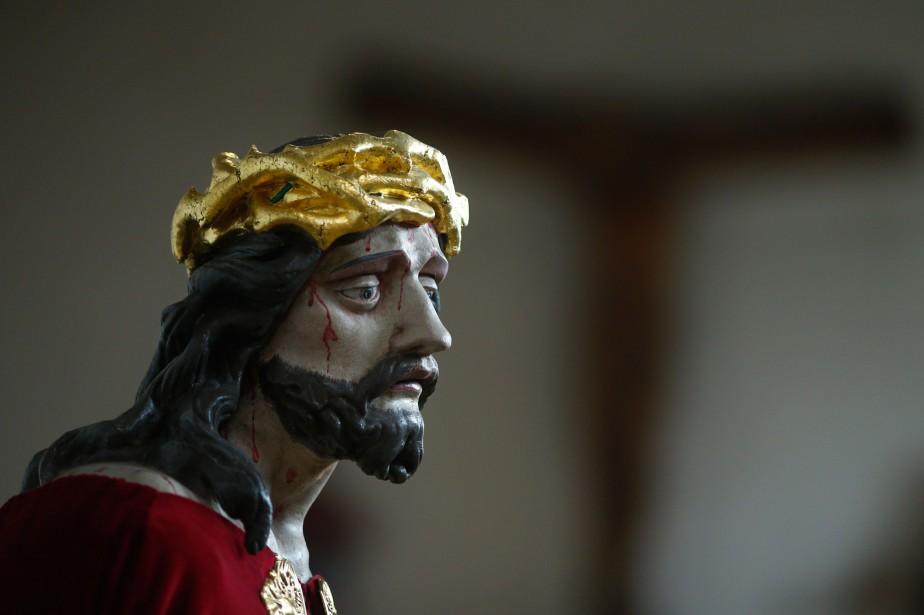Le Samedi saint, c'est le saint rien, écrit... (PHOTORalph Orlowski, REUTERS)