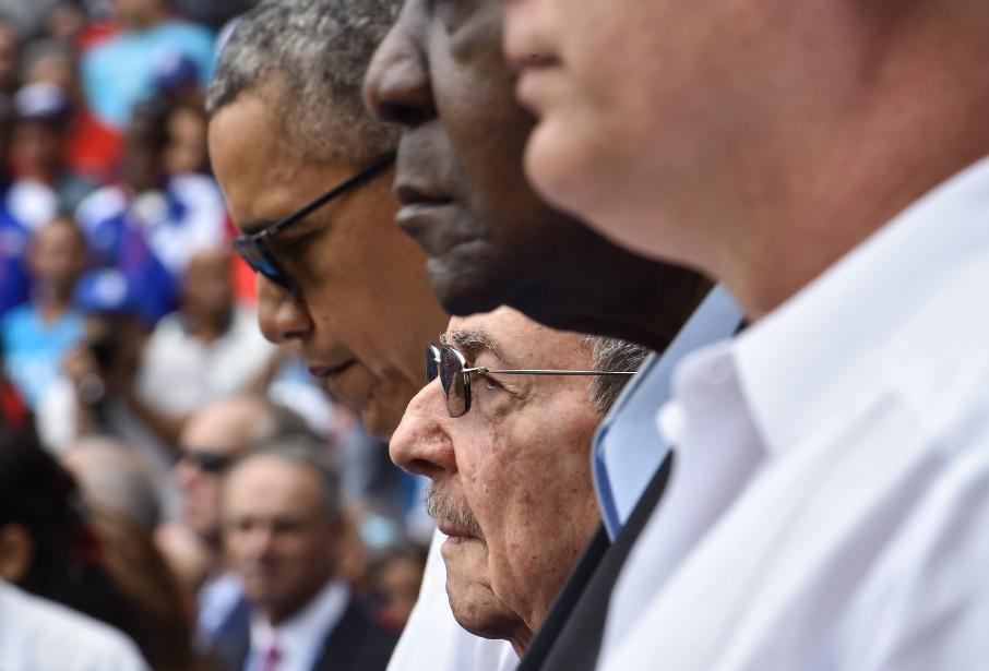 Barack Obama et Raul Castro ont assisté ensemble... (PHOTO Nicholas KAMM, agence france-presse)