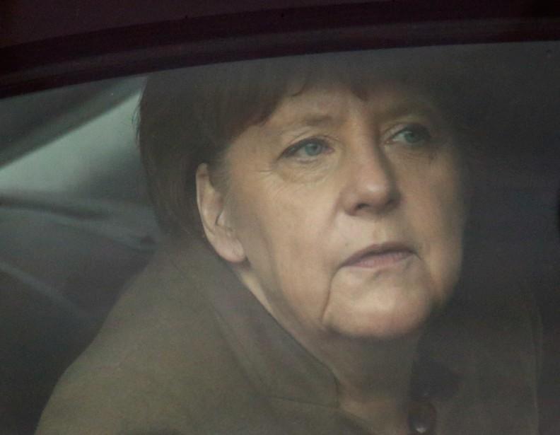 «Angela Merkel sera-t-elle la fossoyeuse d'une Union européenne... (PHOTO FABRIZIO BENSCH, REUTERS)
