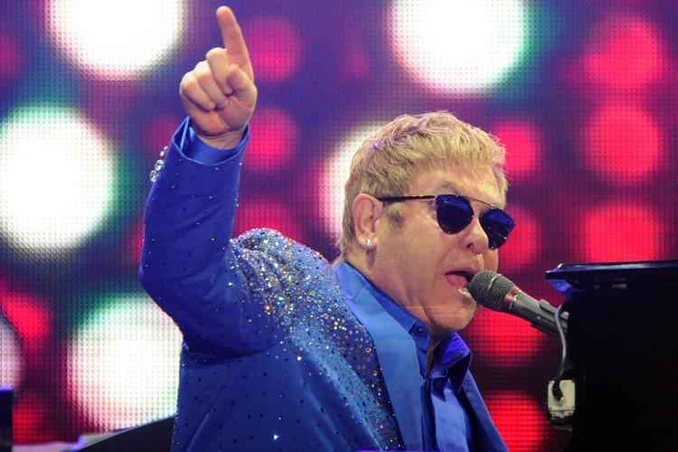 Elton John, dont le dernier albumWonderful Crazy Nightest... (PHOTO AFP)
