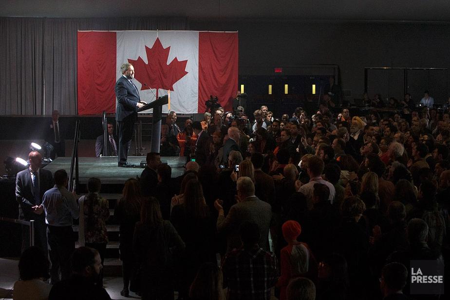 Thomas Mulcair, lors de la soirée électorale du... (PHOTO ROBERT SKINNER, ARCHIVES LA PRESSE)