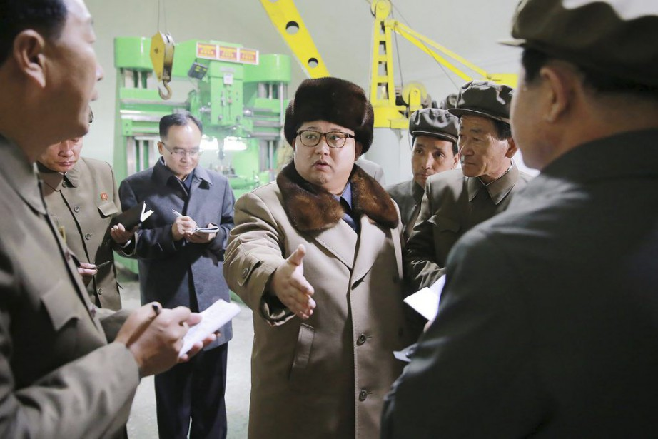Sur cette photo diffusée le 1eravril par l'agence... (PHOTO AFP/KCNA)